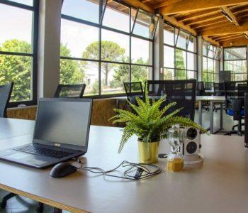 ufficio coworking postazione open